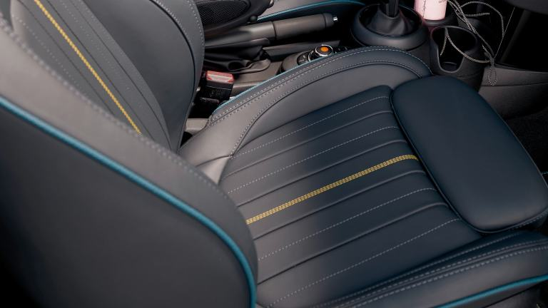MINI Convertible Sidewalk Edition – interior – leather lounge upholstery